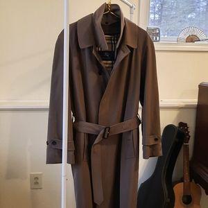 Burberry Trench Coat in Great Condition (Men's)